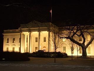 White_house_at_night
